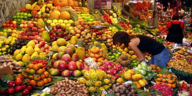 Wiki Juices - Fruits Barcelona market