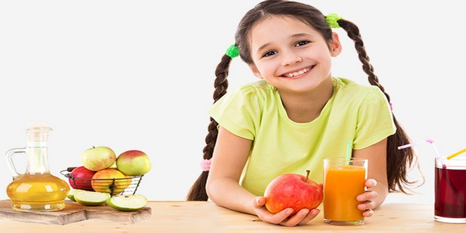 Wiki Juices - Young girl with apple juice