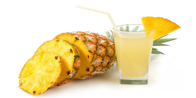 Wiki Juices - Glass of pineapple juice