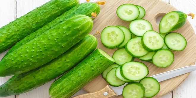 Wiki Juices - Slice Cucumbers
