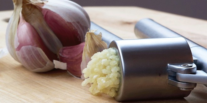 Wiki Juices - Garlic press