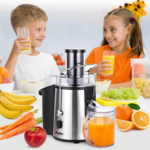 Wiki Juices - Mueller Juicer Kids Drinking Fresh Juice