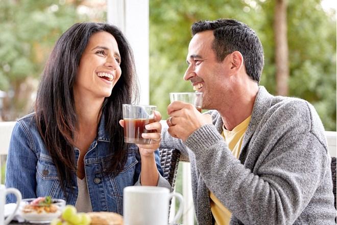 Wiki Juice - Couple Drinking Prune Juice